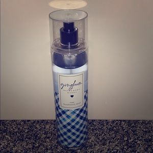 Bath and Bodyworks body spray- Gingham💙